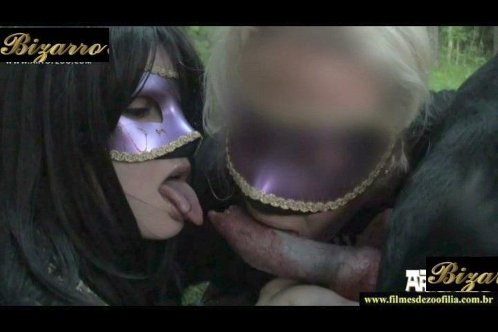 Morena se masturba en el cuarto de la colada - 3 part 5